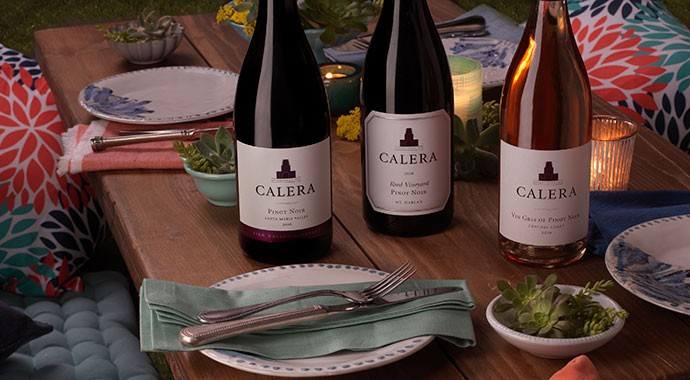 Calera wines in a picnic table